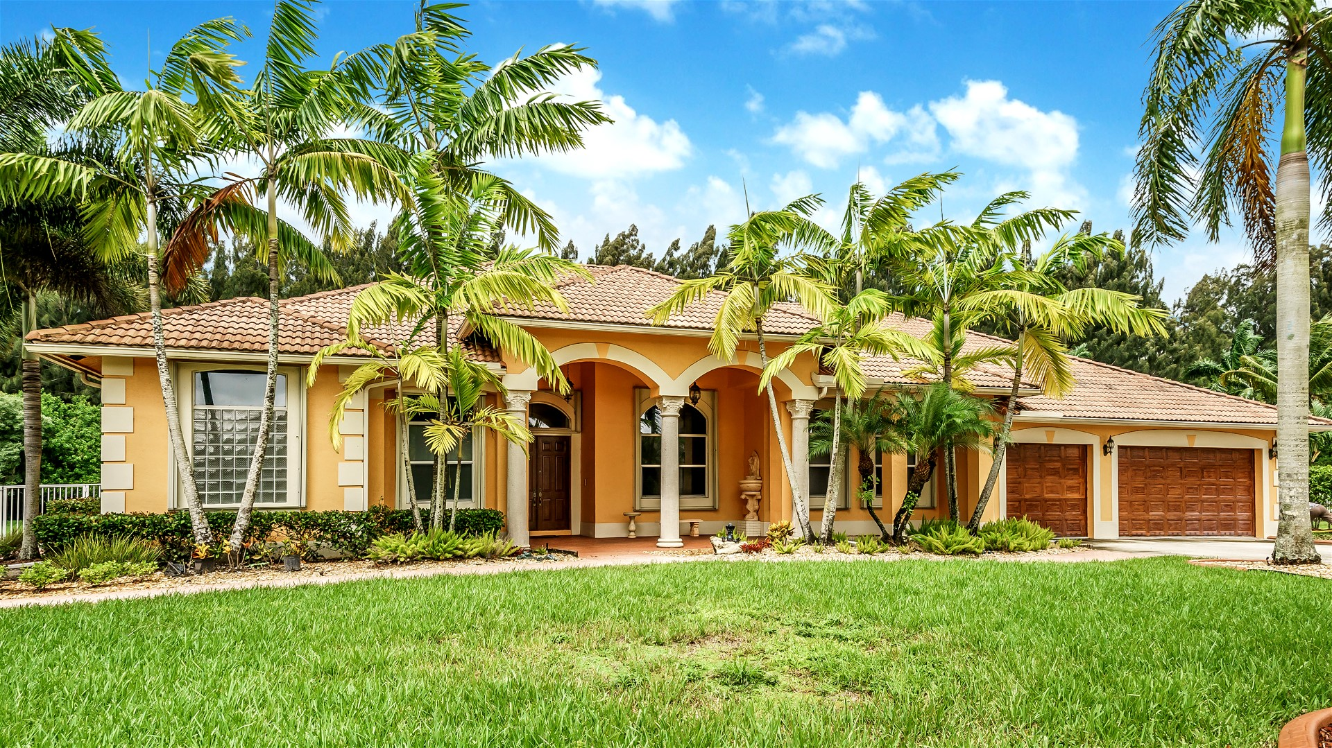 Impeccable Residence in Emerald Sprints Estates in Davie